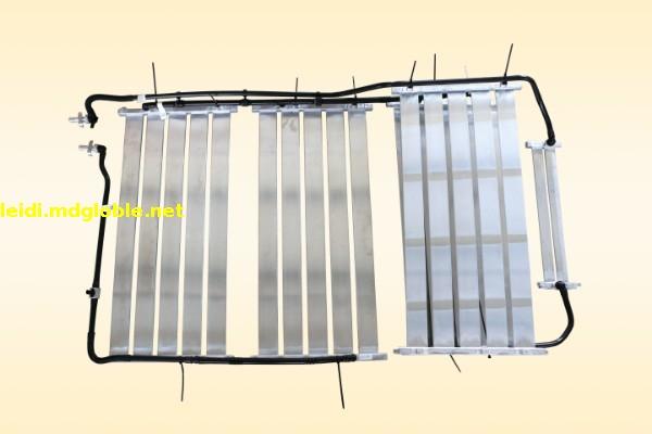 口琴管式水冷板及其附件总成